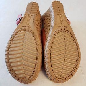 CROCS Shoes - Crocs cork heel leather wedge